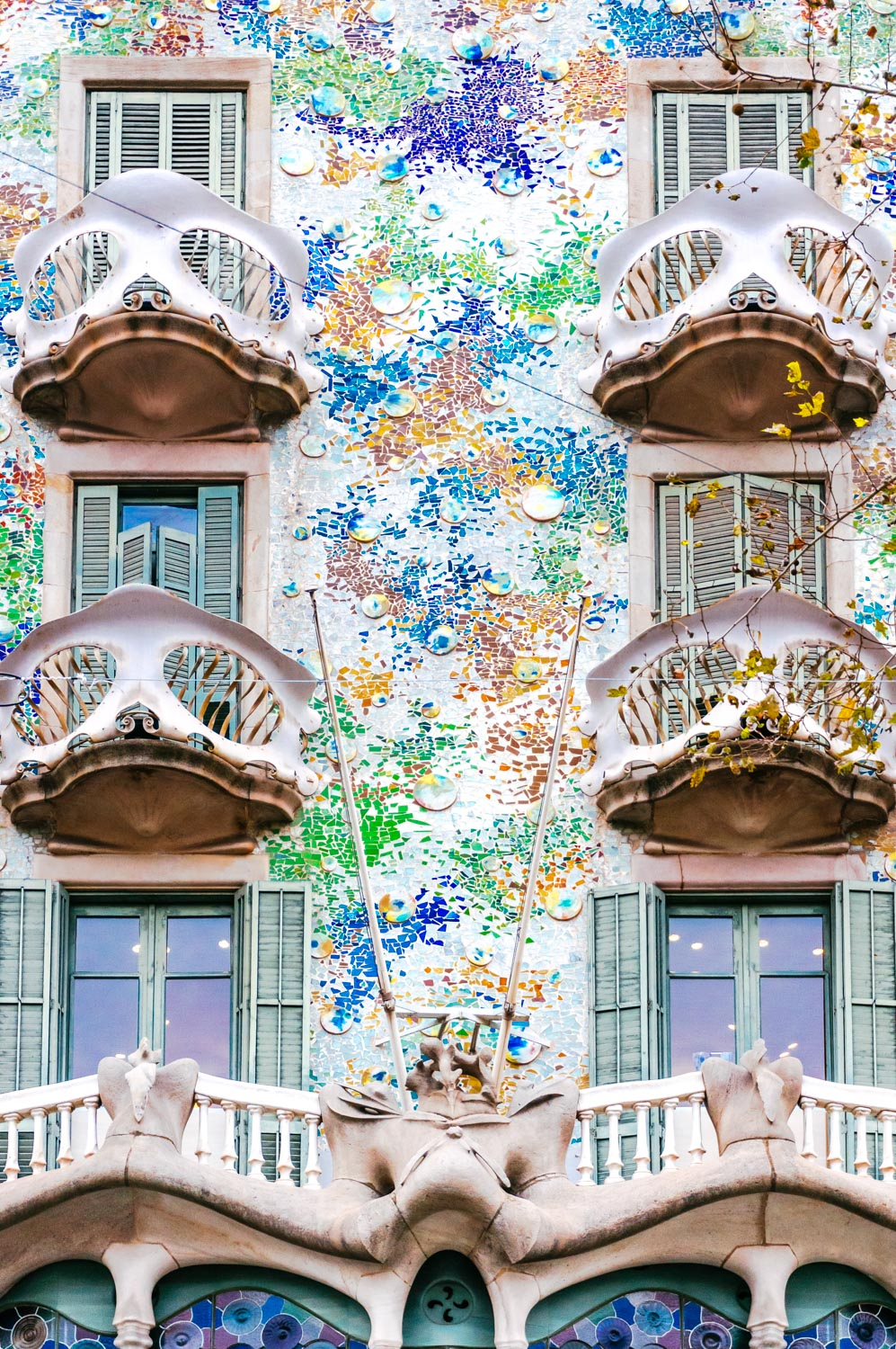 Barcelona day 1, part 3 – Gaudi and more architecture